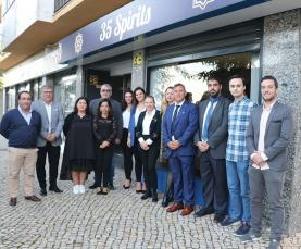 Marca Licor 35 abriu garrafeira '35 Spirits' no Centro Comercial do Rossio
