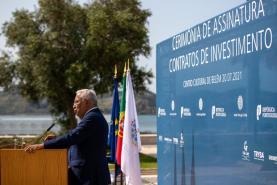 """Covid-19: Governo prevê """"libertação total da sociedade"""" no fim do Verão e recorde de investimento em 2021"""