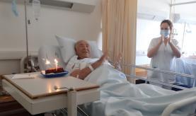 Centro Hospitalar do Oeste começou a presentear doentes internados com bolo de aniversário