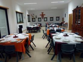 COVID-19: Casa do Oeste e pavilhão desportivo de Pregança com camas para doentes em quarentena