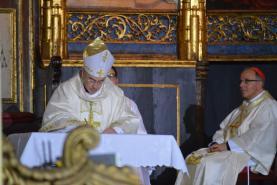 Madeirenses pedem proximidade e alegria ao novo Bispo do Funchal