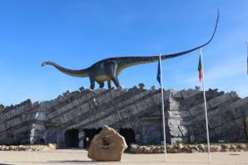 Dino Parque da Lourinhã atingiu este mês o meio milhão de visitantes