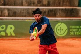 Ténis: Gastão Elias perdeu na final do 'Open de Oeiras' frente ao checo Zdenek Kolar