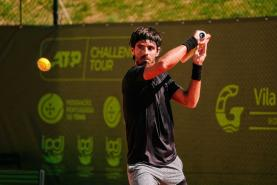 Ténis: Gastão Elias segue em frente no 'Oeiras Open 2' após vitória