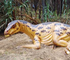 Dinossauros do Dino Parque da Lourinhã em exposição no Amoreiras Shopping Center