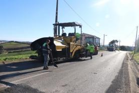Trabalhos de pavimentação da EN 247 entre Lourinhã e Atouguia da Baleia