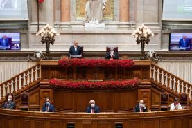 25 Abril: Presidente da República pede que se olhe para o passado sem complexos nem intolerâncias