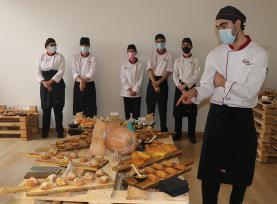 ESTM: abóbora produzida na Lourinhã na apresentação do trabalho desenvolvido pelos alunos do 2º ano de Cozinha e Produção Alimentar