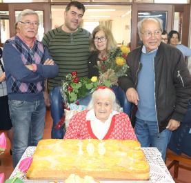 Lourinhã: Antónia Herculano festejou hoje 103 anos com a família