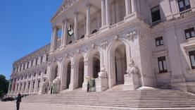 Parlamento apoia proposta do Governo para que todas as freguesias possam ter autarcas a meio tempo
