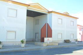 COVID-19: Casa do Oeste, em Ribamar, suspendeu todas as suas actividades