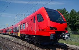 Comissão de Defesa da Linha do Oeste exige ao Governo que acelere compra de comboios novos