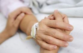 Pedido para cuidador informal deixa de exigir atestado médico e tem resposta em 30 dias