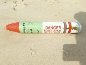Mergulhadores da Marinha inactivaram um engenho fumígeno na costa do concelho de Óbidos