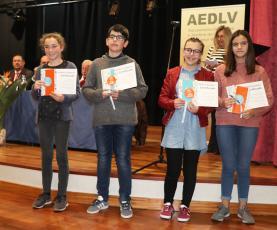 Alunos premiados pelo empenho ao longo do último ano escolar