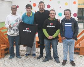 Venda da t-shirt ''I♥Lourinhã' reverte a favor da ADAPECIL